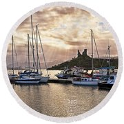 Kyleakin Harbor And Castle Moil Round Beach Towel