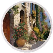 La Bella Strada Round Beach Towel