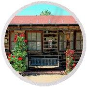 La Rosa Motel Pioneer Town Round Beach Towel