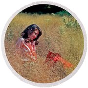 Lady In The Grass -horiz Round Beach Towel