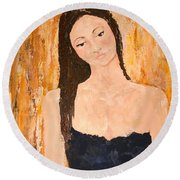 Lady In Waiting Round Beach Towel