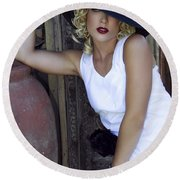 Lady In White Palm Springs Round Beach Towel