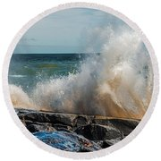Lake Superior Waves Round Beach Towel