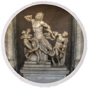 Laocoon And His Sons Round Beach Towel