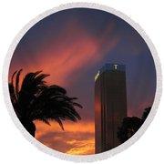 Las Vegas Sunset With Trump Tower Round Beach Towel