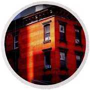 Last Rays Of The Sun - Old Buildings Of New York Round Beach Towel