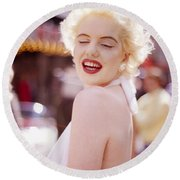 Laughter Of Marilyn Round Beach Towel