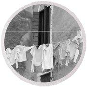 Laundry I Black And White Venice Italy Round Beach Towel