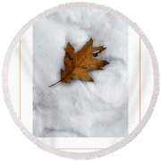 Leaf On Snow Poster Round Beach Towel