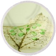 Leaf With Green Drops Round Beach Towel