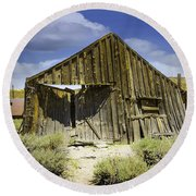 Leaning Barn Of Bodie California Round Beach Towel