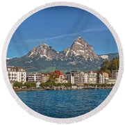 Leaving Brunnen Round Beach Towel