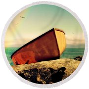 Left High And Dry Round Beach Towel