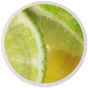 Lemon And Lime Slices In Water Round Beach Towel
