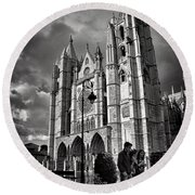 Leon Cathedral Round Beach Towel