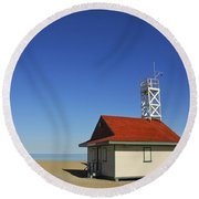 Leuty Lifeguard Station In Toronto Round Beach Towel