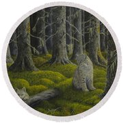Life In The Woodland Round Beach Towel