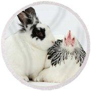 Light Sussex Bantam Hen And Rabbit Round Beach Towel