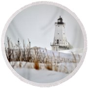 Lighthouse In Winter Round Beach Towel