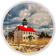 Lighthouse On The Delaware Round Beach Towel