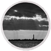 Lighthouse Sun Rays Bw Round Beach Towel