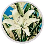 Lilies In White Round Beach Towel