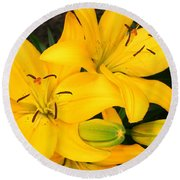 Lillies In Yellow Round Beach Towel