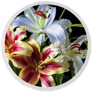 Lily Bouquet Round Beach Towel