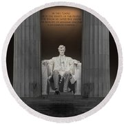 Lincoln And Columns Round Beach Towel