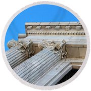 Lincoln County Courthouse Columns Looking Up 01 Round Beach Towel