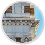 Lincoln County Courthouse Corner Round Beach Towel