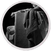 Lincoln In Black And White Round Beach Towel