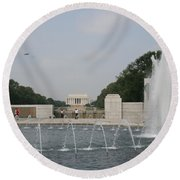 Lincoln Memorial And Fountain - Washington Dc Round Beach Towel