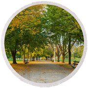Lincoln Park In Fall Round Beach Towel