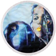 Linda Perry - 4 Non Blondes Round Beach Towel