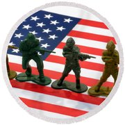 Line Of Toy Soldiers On American Flag Crisp Depth Of Field Round Beach Towel