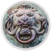 Lion And Snake Round Beach Towel