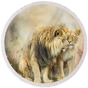 Lion Kiss Round Beach Towel