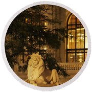 Lion Statue In New York City Round Beach Towel