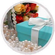 Little Blue Gift Box With Pearls And Flowers Round Beach Towel