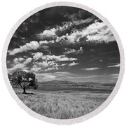 Little Prarie Big Sky - Black And White Round Beach Towel