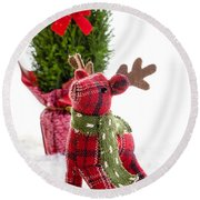 Little Reindeer Christmas Card Round Beach Towel