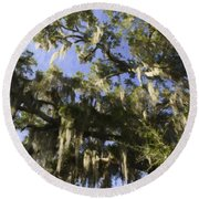 Live Oak Dripping With Spanish Moss Round Beach Towel