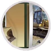 Loader - Cross Your Eyes And Focus On The Middle Image Round Beach Towel