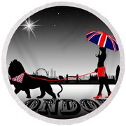 London Catwalk Queen Too Round Beach Towel