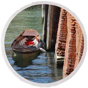 Lonely Boat In Venice Round Beach Towel