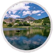 Long Lake Beartooth Pass Round Beach Towel