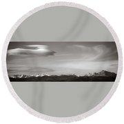 Longs Peak And Lenticular Clouds Round Beach Towel