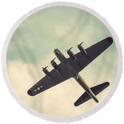 Look Up Vintage B-17 Flying Fortress Round Beach Towel