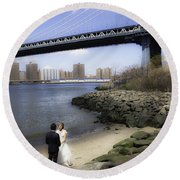 Love In The Afternoon - Dumbo Round Beach Towel